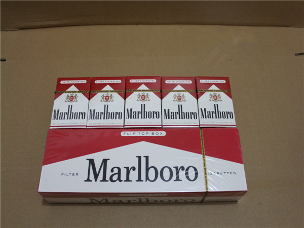 USA Marlboro Cigarettes Types Red Regular 40 Cartons
